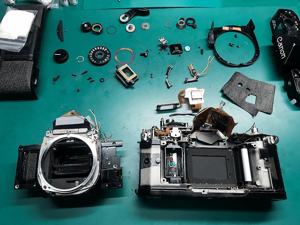 Canon A-1 分解