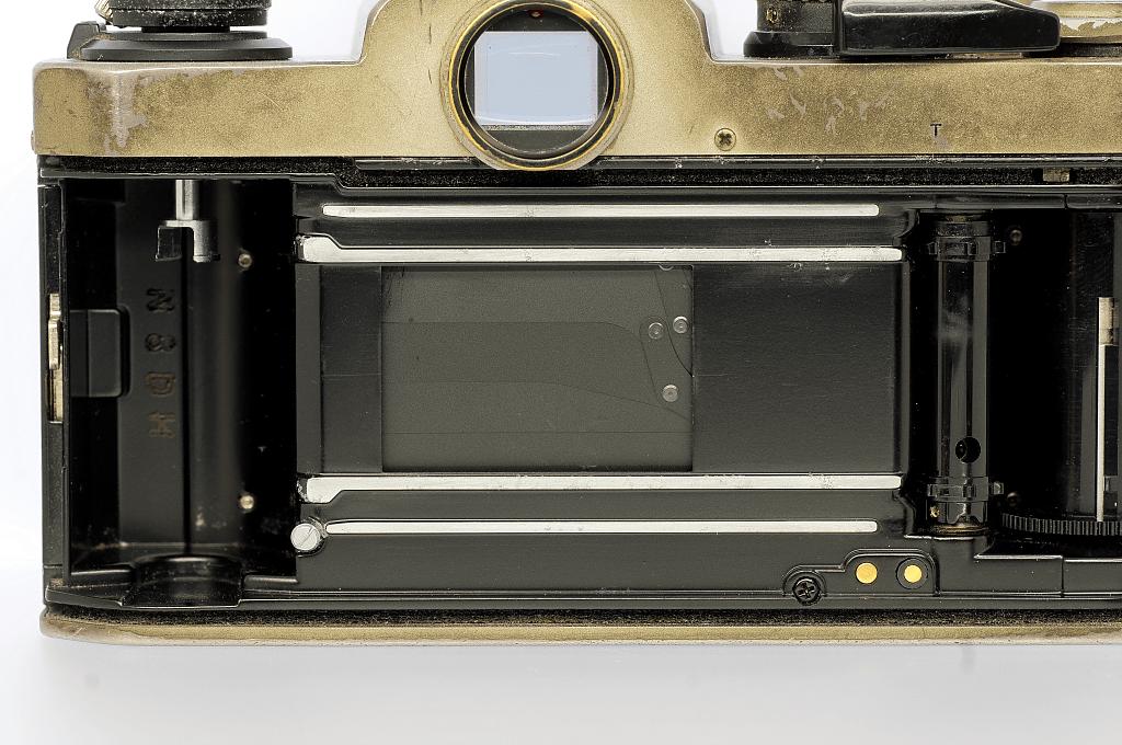 Nikon New FM2/T フィルムガイドレール腐食