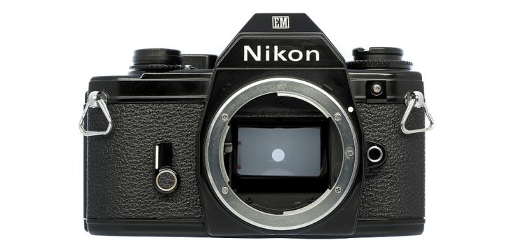 Nikon EM フィルムカメラ修理