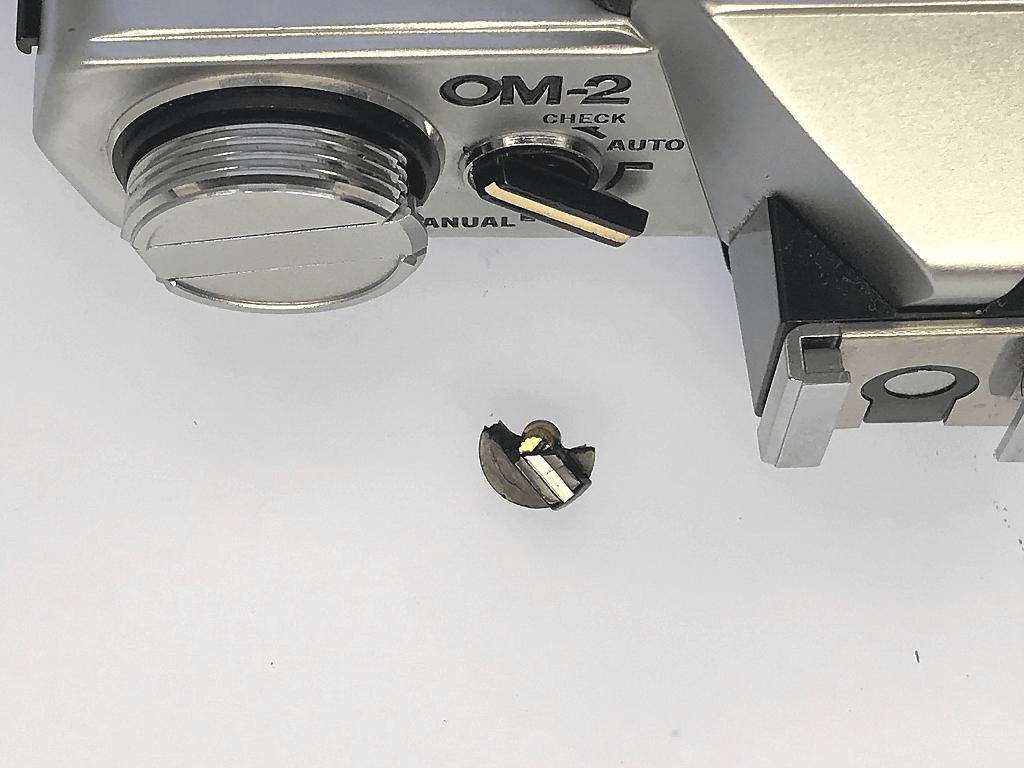 OLYMPUS OM-2 スイッチレバー折れ