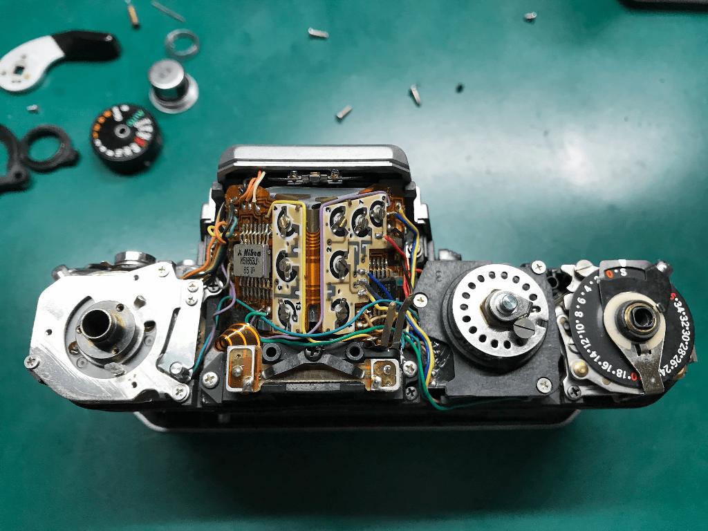 Nikon FE トップカバー分解