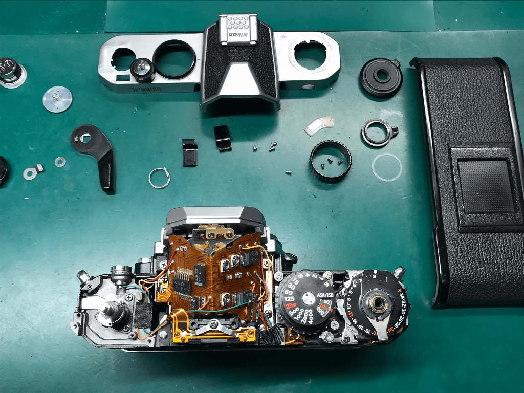 Nikon New FM2 分解中