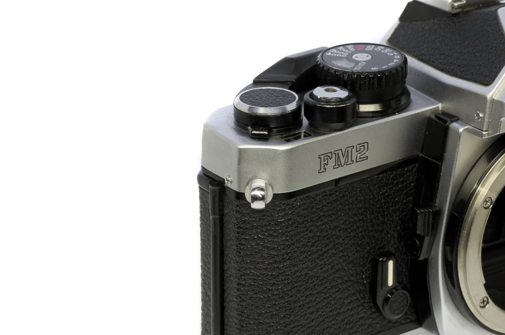 Nikon New FM2 トップカバー凹み修正