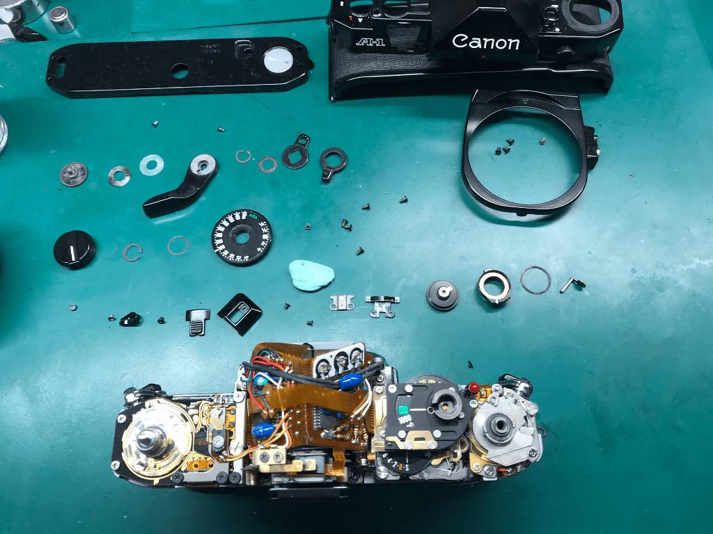 Canon A-1 分解中