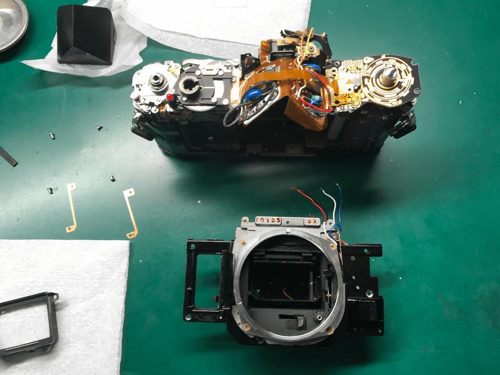 Canon A-1 ミラーボックス取り出し