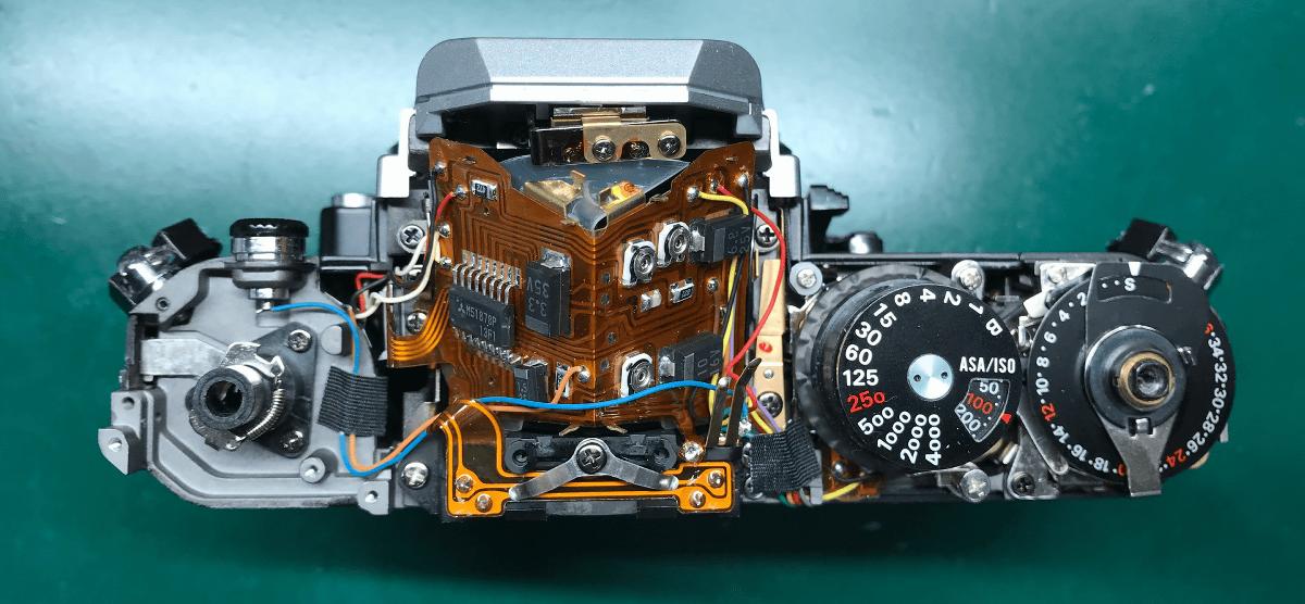 Nikon New FM2 トップカバー分解